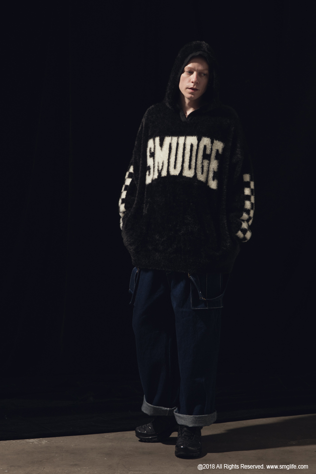 SMG2018_T-1840_Mohair SMUDGE hoodieModelcut01