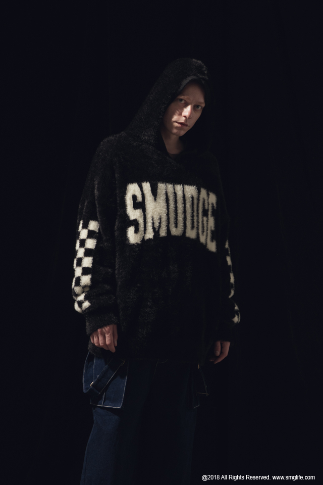 SMG2018_T-1840_Mohair SMUDGE hoodieModelcut02