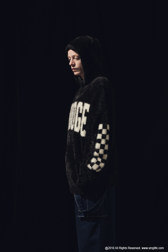 SMG2018_T-1840_Mohair SMUDGE hoodieModelcut03