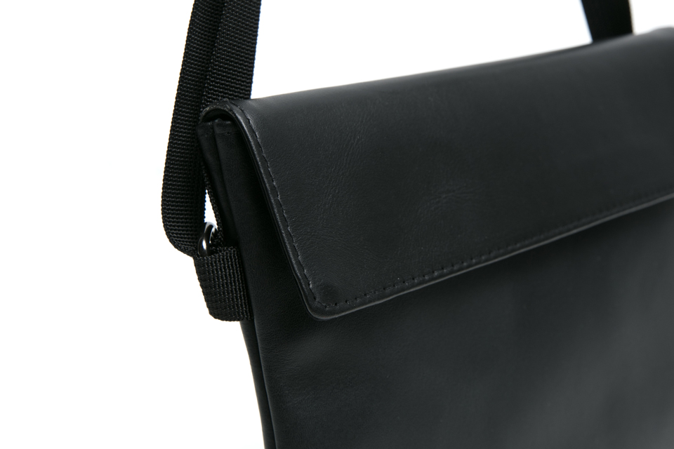 SMG2018_A-1812_Black Leather Sacoche Bag05